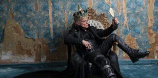Riccardo va all'inferno - Massimo Ranieri in una scena del musical