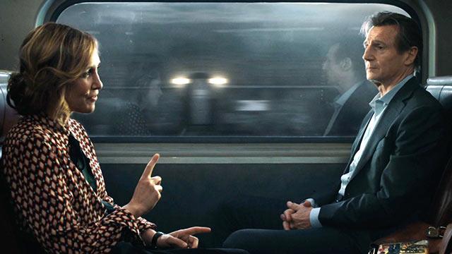 L'uomo sul treno - Michael (Liam Neeson) e Joanna (Vera Farmiga) in un vagone del treno