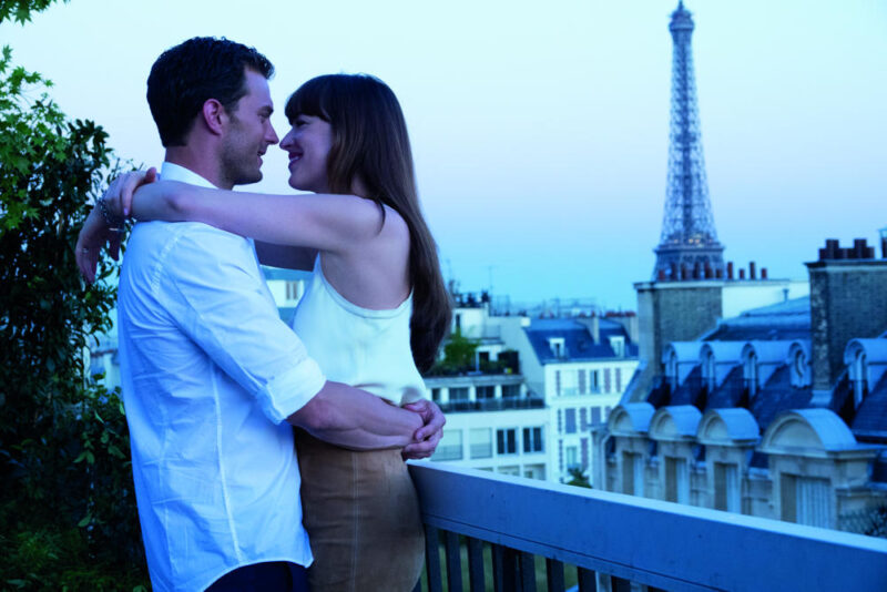 50 sfumature di rosso - James Dornan (Christian) e Dakota Johnson (Anastasia) a Parigi