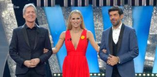 Sanremo 2018 - I conduttori Claudio Baglioni, Michelle Hunziker e Pierfrancesco Favino durante la seconda serata