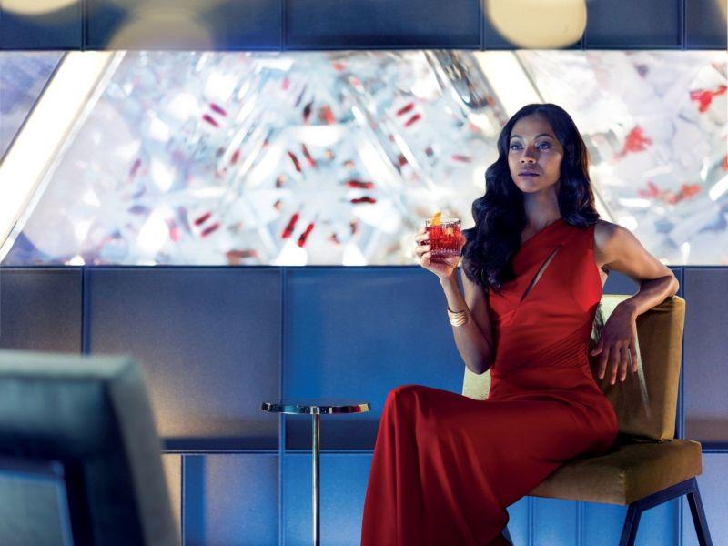 The Legend of Red Hand: Zoe Saldana in una scena del corto diretto da Stefano Sollima
