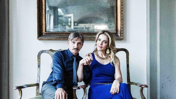 Carlo Buccirosso e Claudia Gerini in Ammore e malavita