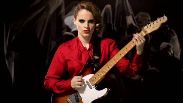 Anna Calvi - live