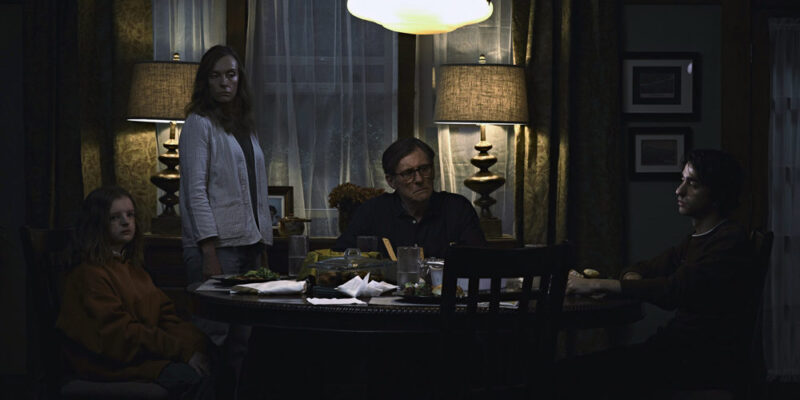 Hereditary - Milly Shapiro, Toni Collette, Gabriel Byrne e Alex Wolff