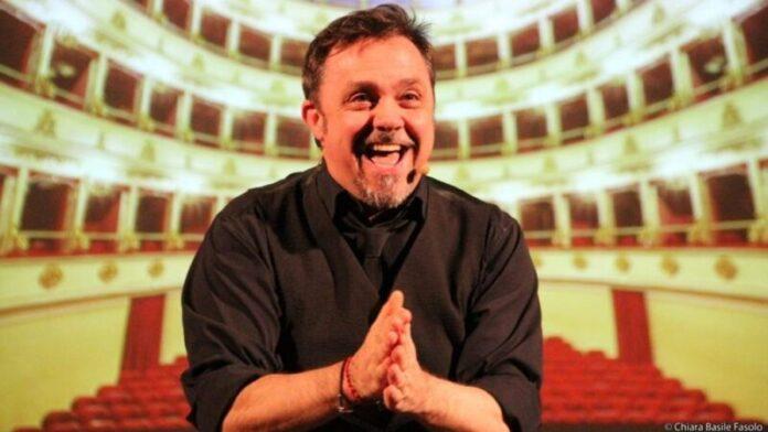 Gabriele Cirilli conduttore rassegna sull'amore