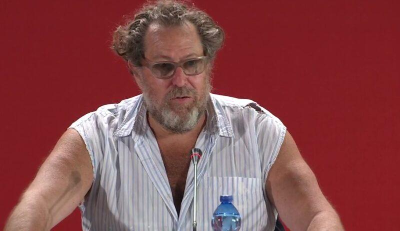 Julian Schnabel durante la conferenza di At Eternity's Gate