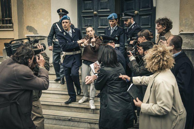 Soledad: Sole (Vera Spinetta) viene arrestata dalla polizia