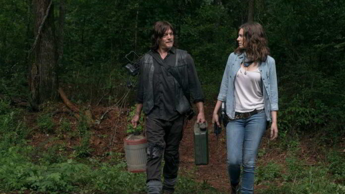 The Walking Dead - Norman Reedus e Lauren Cohan in una scena di Segnali d'allarme