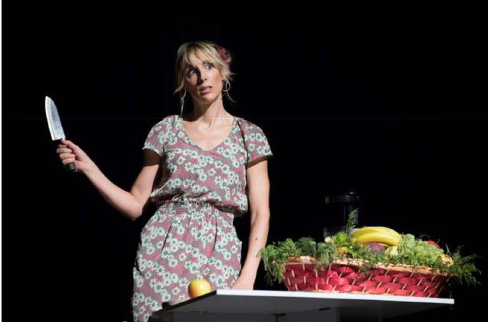Il corpo perfetto - Lavinia Savignoni è l'autrice e la protagonista dello spettacolo
