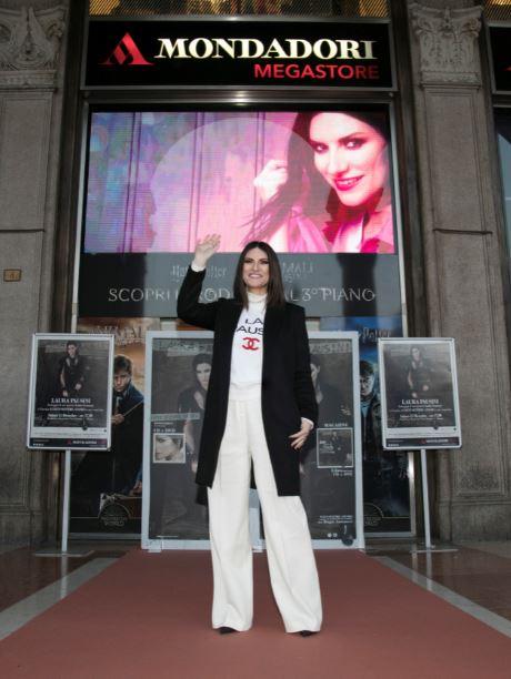 Laura Pausini Mondadori Milano