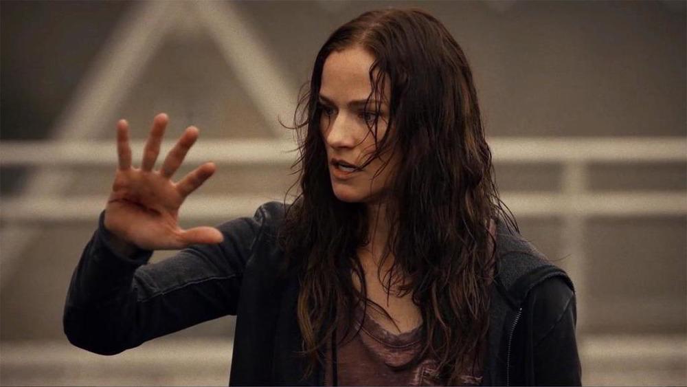 Van Helsing - Kelly Overton nei panni della protagonista Vanessa Van Helsing