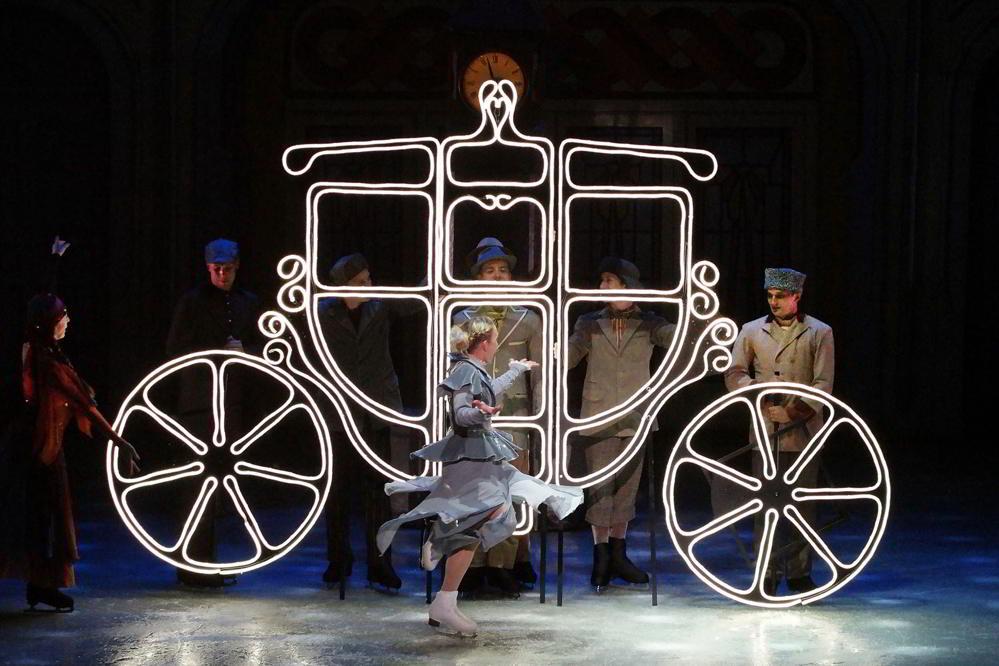 Cenerentola On Ice - La suggestiva carrozza con cui Cenerentola raggiunge il ballo