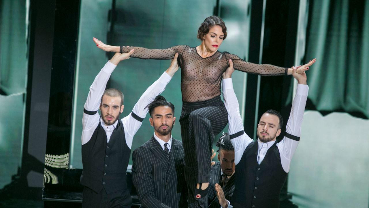 Claudia Gerini - Dance Dance Dance