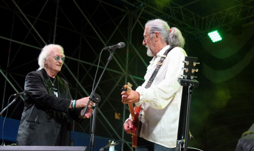 Maurizio Vandelli e Shel Shapiro sul palco
