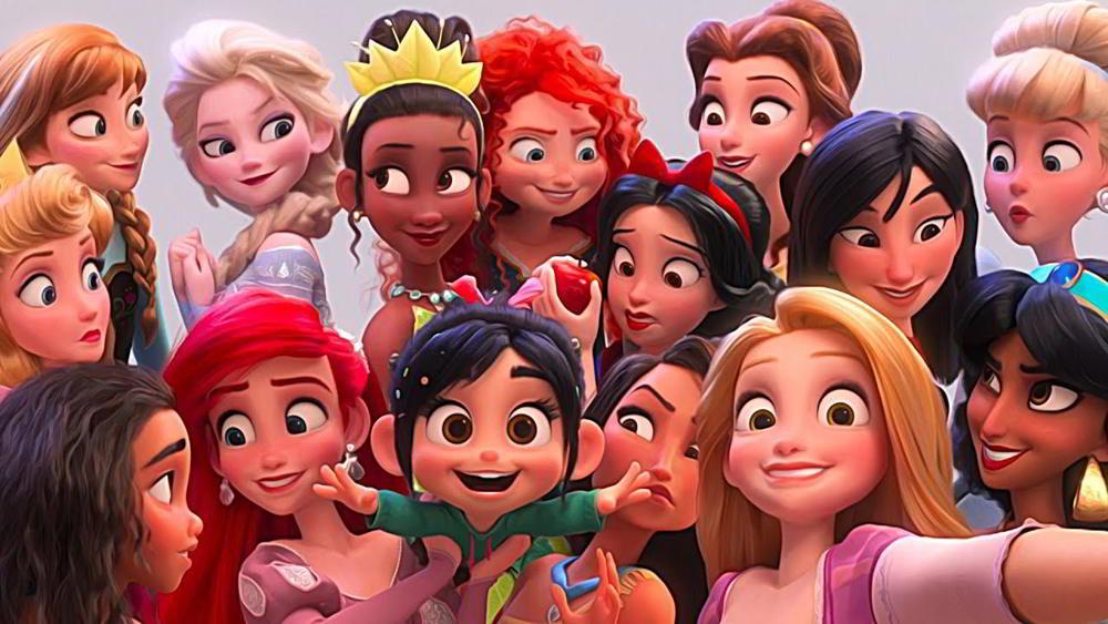 Ralph spacca internet - Vanellope von Schweetz con le principesse Disney al completo in una divertente scena del film