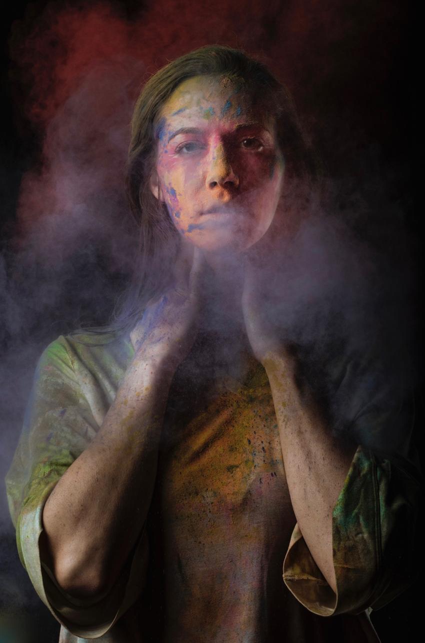 L'attrice Beatrice Gattai in Petrolio. Una storia a colori
