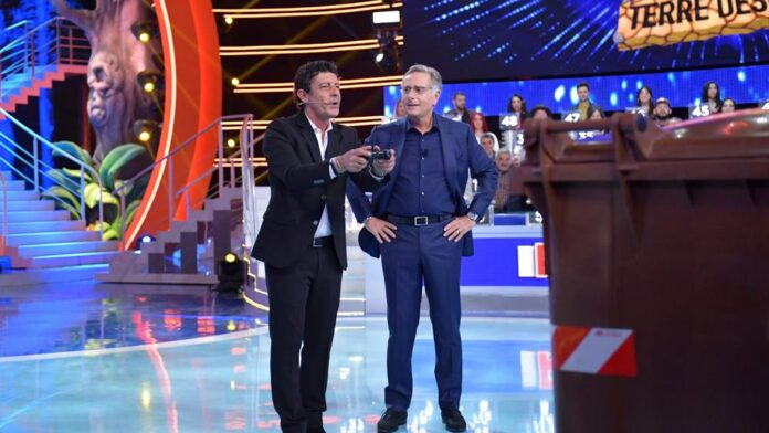 Paolo Bonolis e Luca Laurenti - terza puntata Ciao Darwin 8