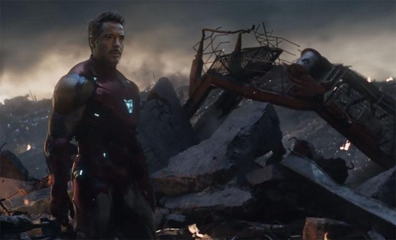 Avengers: Endgame: Iron Man (Robert Downey jr) nella battaglia finale per la sopravvivenza della Terra ©Marvel Studios 2019