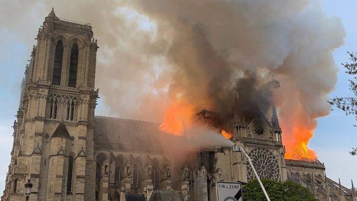 Cattedrale di Notre Dame - Incendio
