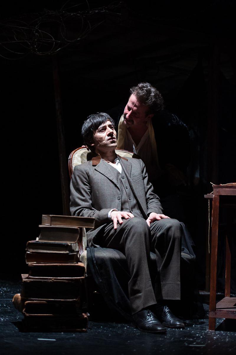 Luigi Lo Cascio e Genio Diana in Dracula