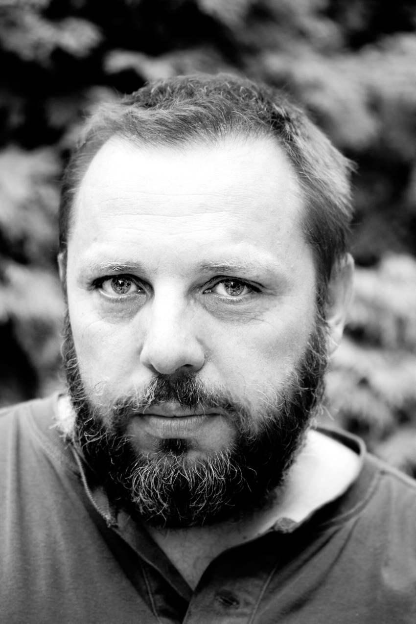 Artur Pałyga, regista di Al centro del sole si raccoglie la cenere