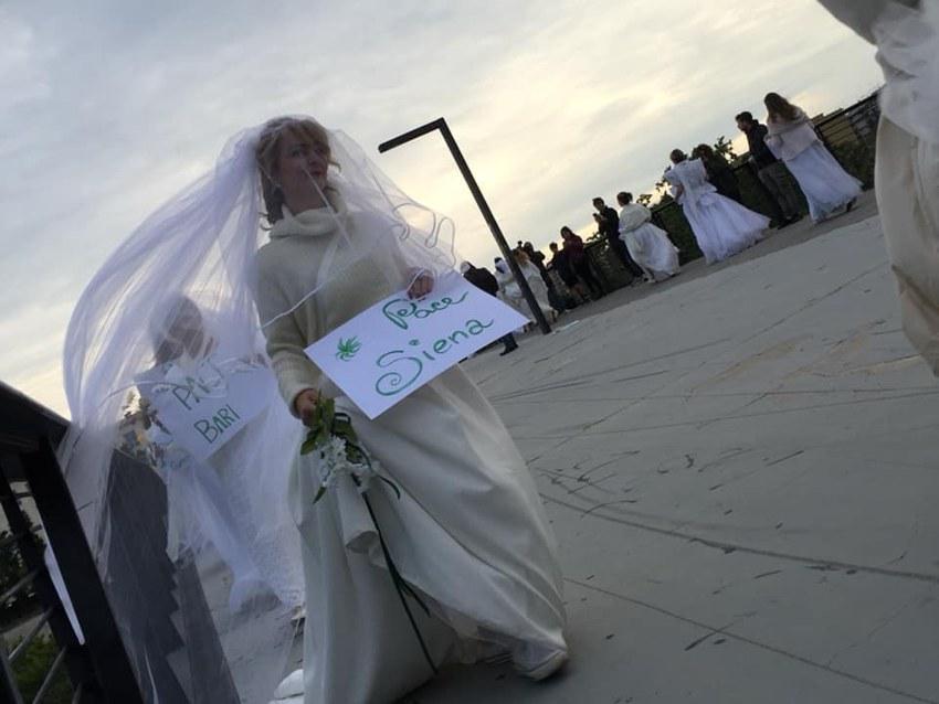 Le Spose di Pace che hanno sfilato a Roma