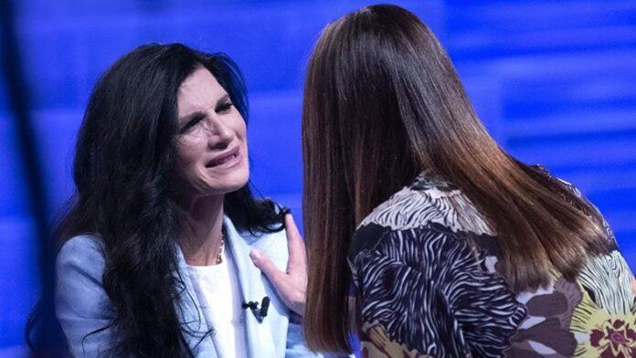 Pamela Prati e Silvia Toffanin a Verissimo 2019 (1)