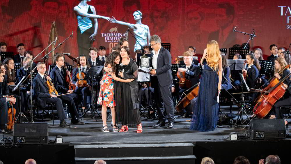 Marta Castiglia e Lucia Sardo ricevono la Menzione Speciale per il film Picciridda