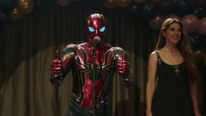 Spider-Man Far from Home - Tom Holland e Marisa Tomei