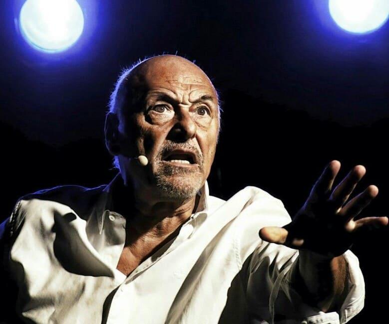 Atti o Scene in Luogo Pubblico - Claudio Boccaccini (La foto del carabiniere)