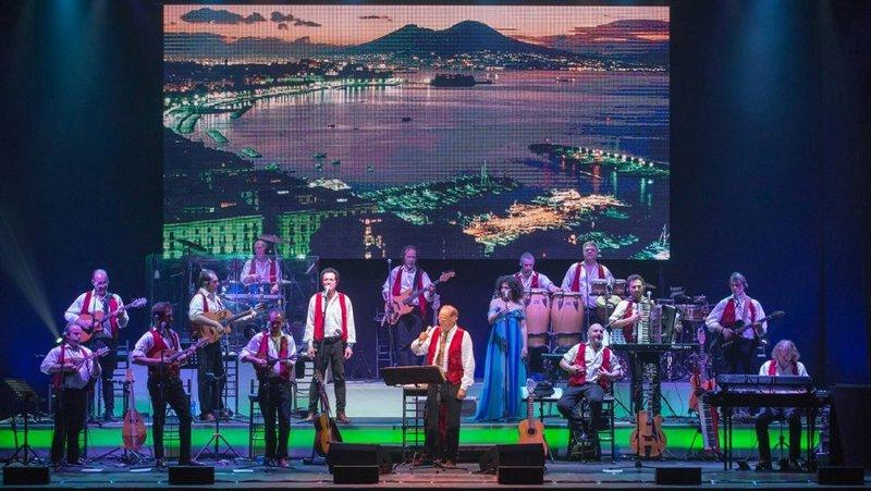 Renzo Arbore e l'Orchestra Italiana live