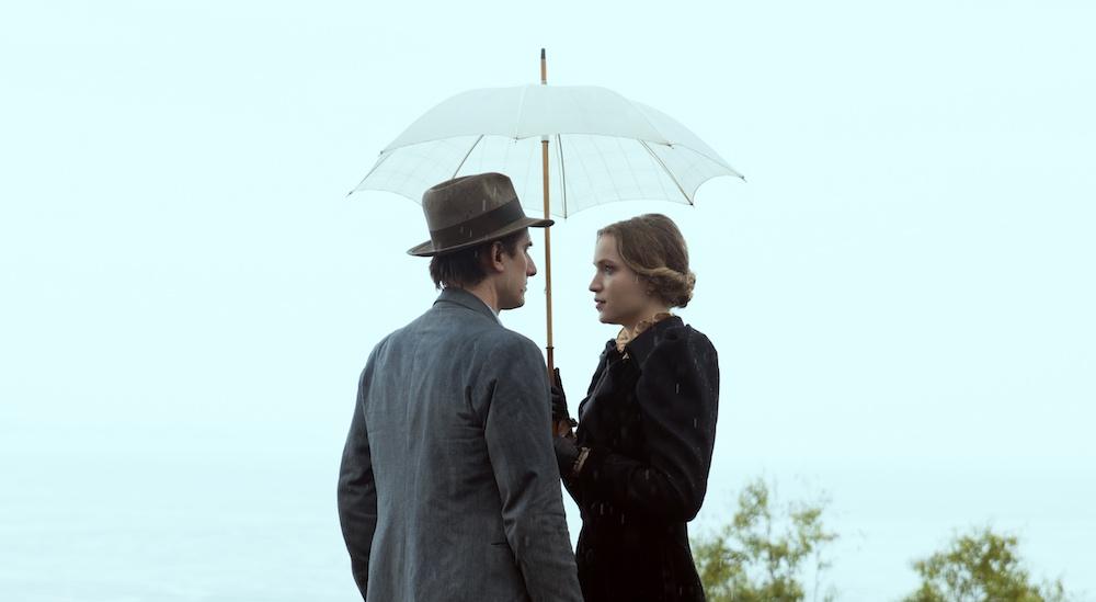 Martin Eden - Luca Marinelli e Jessica Cressy