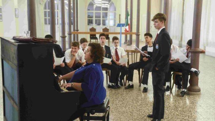 Lezione di canto con la professoressa Giovannini - Il Collegio