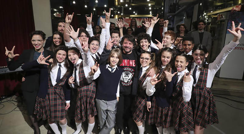School of Rock: Lillo accanto a giovanissimi talenti under 14, tra cui anche baby musicisti