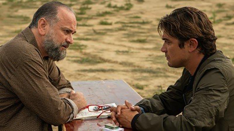 Il ladro di giorni: Vincenzo (Riccardo Scamarcio) insieme ad uno dei suoi vecchi complici (Massimo Popolizio)