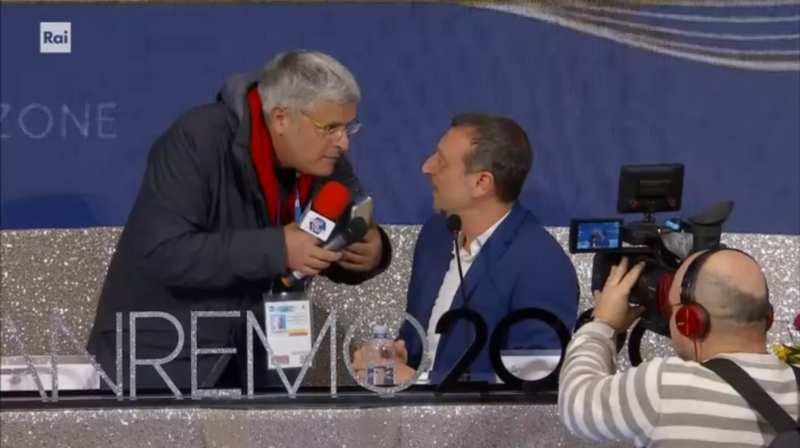 Sanremo 2020 - Amadeus ed Enrico Lucci in conferenza stampa quinta serata