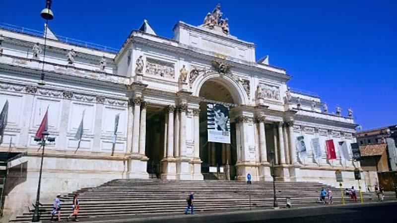 Coronavirus: Il Palazzo delle Esposizioni Roma rimarrà aperto ad ingressi contingentati, la programmazione delle attività espositive non subisce modifiche al momento