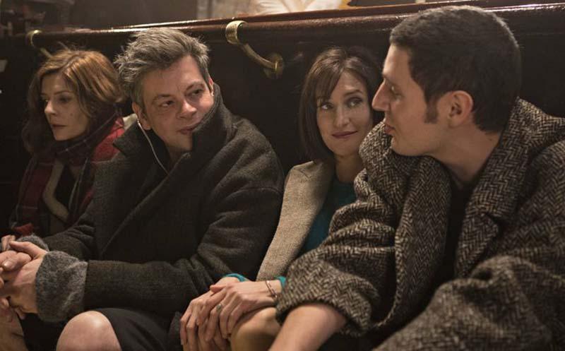 L'hotel degli amori smarriti: un'improbabile quartetto composto da Maria (Chiara Mastroianni), suo marito (Benjamin Biolay), il suo primo amore Irére (Camille Cottine) e il suo alter ego venticinquenne (Vincent Lacoste)