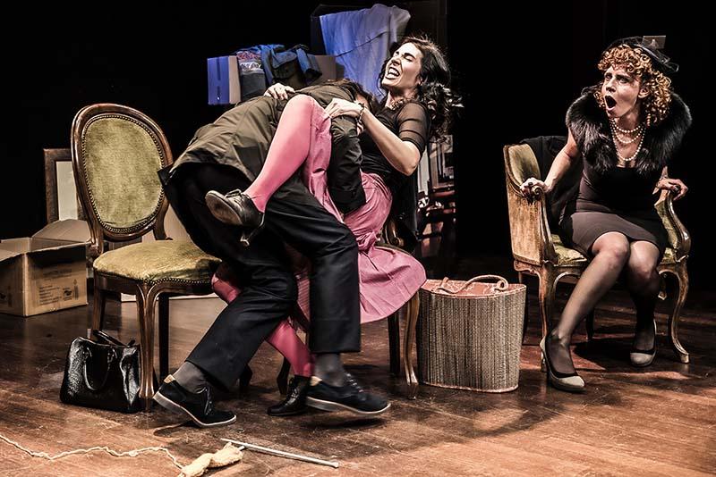 Serata omicidio, al Teatro Cometa off con:Emanuela D'Antoni, Shara Guandalini,Elena Mazza, Micol Pavoncello,Alessandra Pagnotta, Giuseppe Sorgi