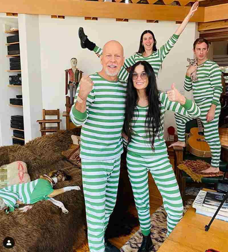 Bruce Willis e Demi Moore con le famiglie - Copia