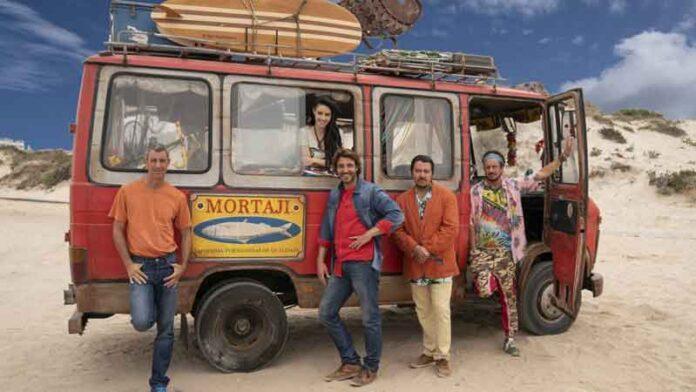 Un figlio di nome Erasmus: Paolo Kessisoglu, Luca Bizzarri, Ricky Memphis, Daniele Liotti e Filipa Pinto a bordo del loro