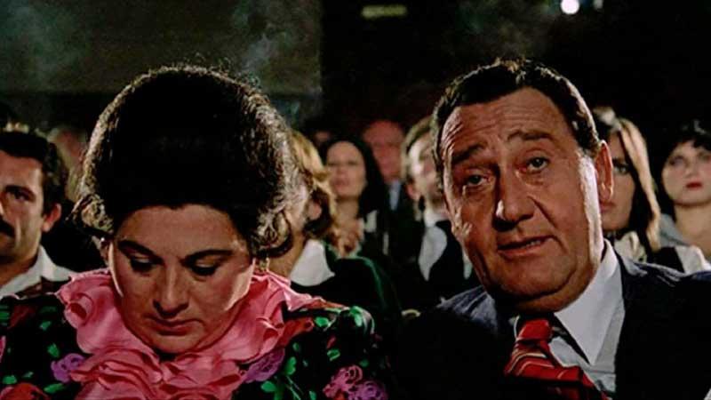 """""""Il comune senso del pudore"""" è un film in quattro episodi in cui si raccontano i cambiamenti del senso del pudore alla fine degli anni Settanta e la diffusione dell'erotismo nell'editoria e nel cinema"""