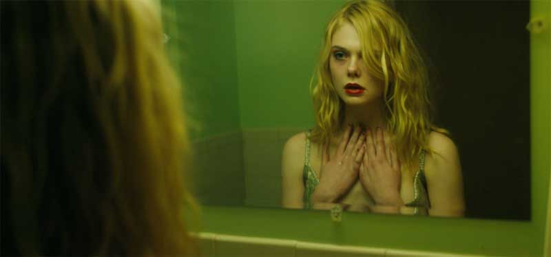 Galveston: Elle Fanning in una scena del film