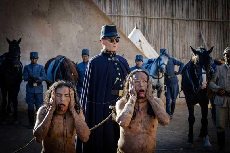 Waiting for the Barbarians - Johnny Depp è il Colonnello Joll