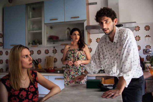 I predatori - Giulia Petrini, Liliana Fiorelli e Pietro Castellitto nel backstage (foto Matteo Vieille)