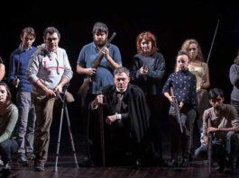 Metamorfosi cabaret: Filippo Timi con gli attori del Piero Gabrielli ©photo Claudia Pajewski