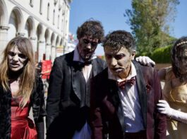 Venezia 78, alla Mostra del Cinema sfilano gli zombie di The Walking Dead